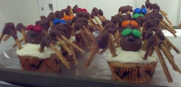 spider halloween cupcakes by jean james